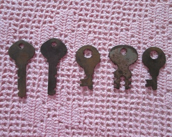 Vintage 5 old keys / Vintage 5 a. gurdies keys
