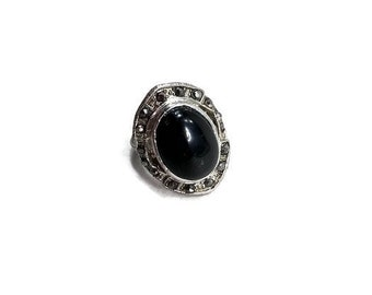 Vintage Art Deco Adjustable Ring. Faux Onyx & Marcasite Ring. Size 7.5 Adjustable. Simple, Shield-Shape Setting.Costume Ring.Statement Ring.