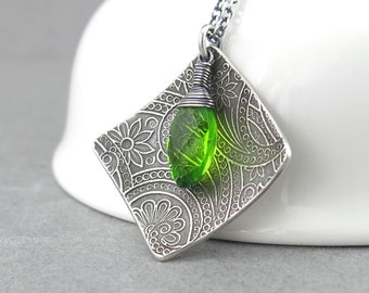 Peridot Necklace Modern Silver Necklace Green Necklace Green Gemstone Necklace August Birthstone Jewelry Birthday Gift for Her - Contrast
