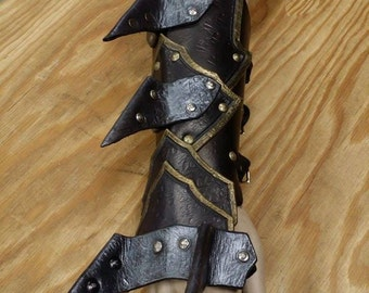 Leather Armor Spiked Barbarian Gauntlets