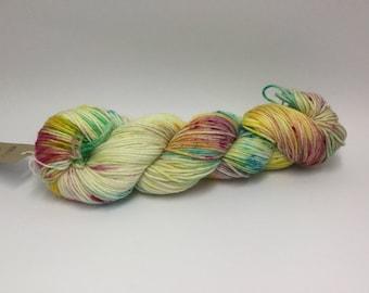 DK/8ply wool/nylon yarn in my Bandwagon colourway