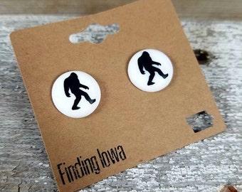 Bigfoot Earrings//Bigfoot Gift//Bigfoot/Sasquatch Perler Bead Earrings