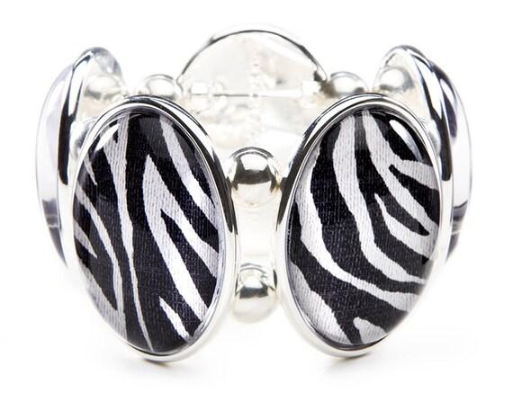 Zebra Oval Five-Cameo Stretch Bracelet