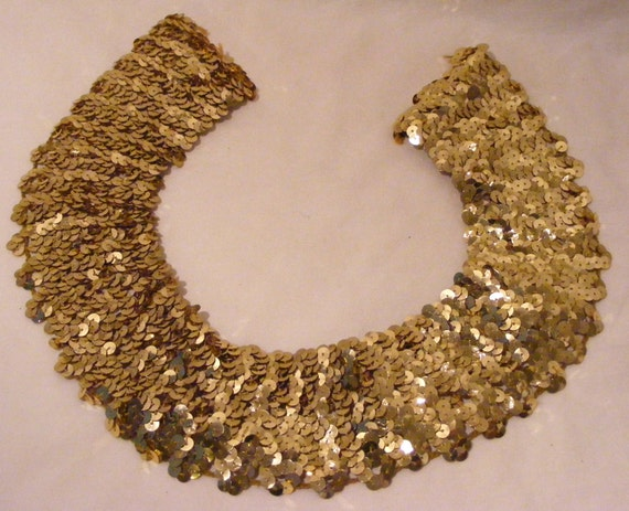 VINTAGE  SEQUINED COLLAR Embellishment