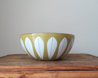 "SALE - 8"" Catherinholm Lotus Ware Enamel Bowl Cathrineholm Grete Prytz Kittelsen Acid Green and White - WAS 100"