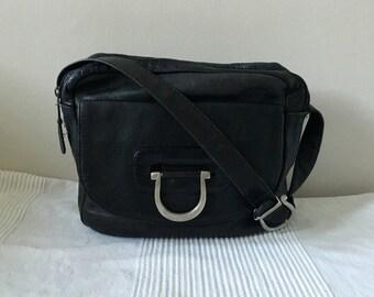 Vintage Kenneth Cole Black Leather Organizer Travel Shoulder Crossbody Bag