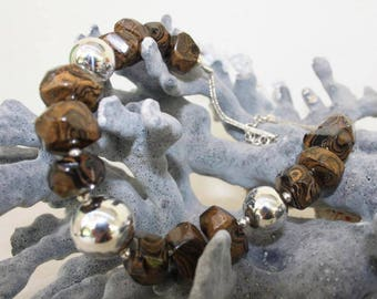 950 Peruvian silver necklace with stromatolite stones and 3 balls of solid silver