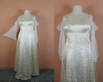 90s Brocade Wedding Dress in Ivory- 1990s Vintage Plus Size Gown- Fantasy Fairy Goth- Formal / Prom- Sheer Sleeves, Bell- Off White