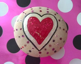 Love Heart Painted Pebble Stone Valentine Wedding Anniversary Paperweight Home Decoration