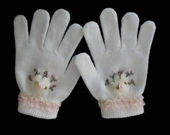 Little Girls Victorian Style Embroidered Winter Fashion Gloves - One Size