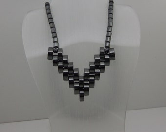 Vintage 1980s Retro Mourning Necklace