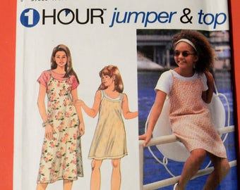 Simplicity 9530 One hour jumper and top pattern Uncut Sizes 12 and 14