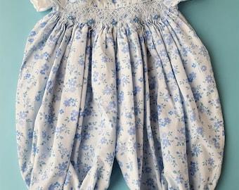 Vintage 1980s blue baby girl floral flocked romper onesie size 0-3 months