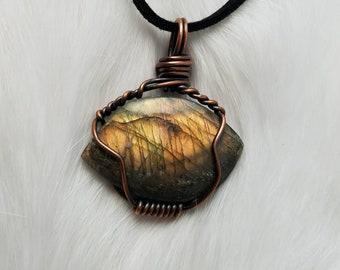 Labradorite necklace, crystal pendant, crystal jewelry, bohemian jewelry, boho, labradorite jewelry