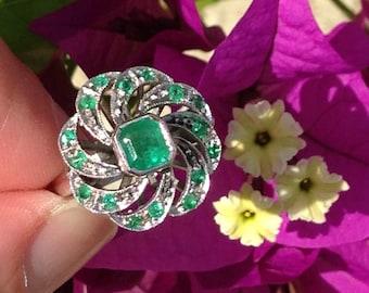 Emerald Ring 18K White Gold Columbian Emerald Color Vintage GIA Graduate Gemologist