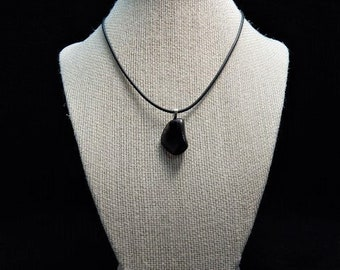 apache tear pendant and 18 inch starter necklace