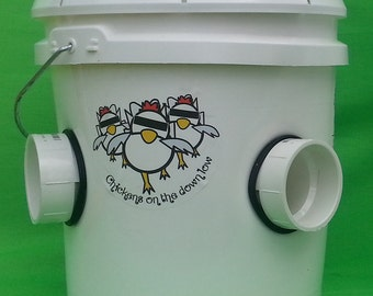 Poop-Free 2 Gallon Feeder for Backyard Chickens
