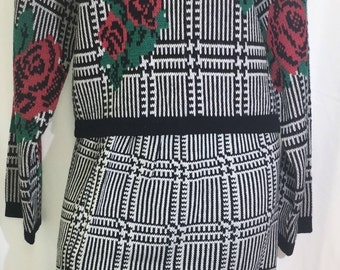 Vintage Gitano Knits Women's Knit Sweater and Skirt with Roses Size Large