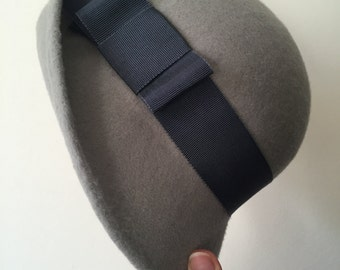 Grey Wool Felt Cloche With Dark Grey Petersham Band and Bow, Winter Cloche Hat