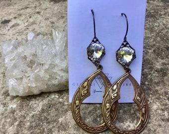 Brass crystal dangle earring