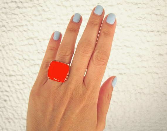 Coral red statement ring, silver tone coral red resin ring, modern minimalist jewelry, red coral cocktail square ring, color block jewelry