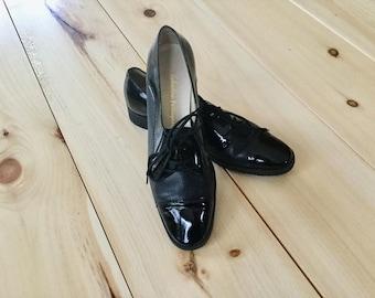 Vintage Salvatore Ferragamo Black Leather lace up Flats Shoes Size 6 B Narrow
