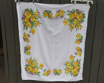"Pretty Vintage  Tablecloth - 49"" by 54"""