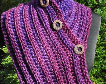 Handmade crochet scarf, Purple winter scarf, Neck warmer with buttons, Chunky Womens scarf, Chunky collar, Valentine's gift, Gift for women