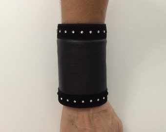 Black Leather Wrist Wallet Cuff with Secret Pocket, Leather Bracelet Cuff, Secret Wallet cuff