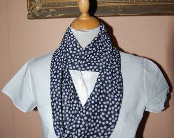 scarf snood in Navy Blue and white