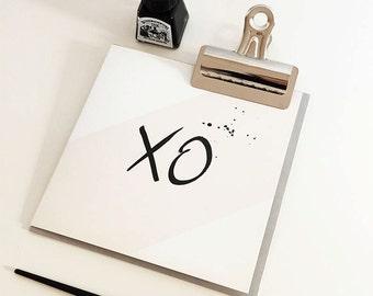 XO …. Kiss Hug valentines Card