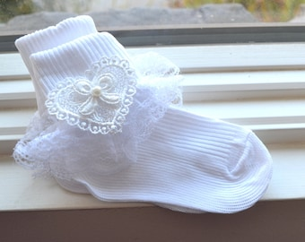 Baby socks, White ruffled socks, ruffled white socks, baby ruffled socks, Christening, lace socks,baby lace socks, Flower lace white socks