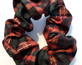 Red/green tartans scrunchie