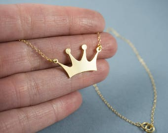 Crown Necklace, Gold crown necklace, Engravable Gold Necklace, Gold Engraved Necklace, Crown charm, Princess Crown Necklace, Crown jewelry