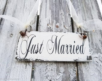 JUST MARRIED SIGN | Wedding Sign | Just Married Prop | Wedding Photo Prop | Honeymoon Sign | Just Married | Vintage Wedding Decor | Rustic
