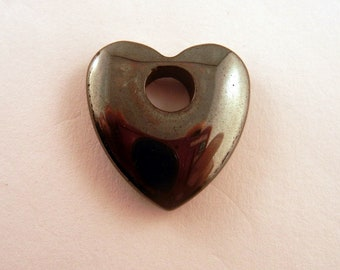 Hemalyke heart charm pendant