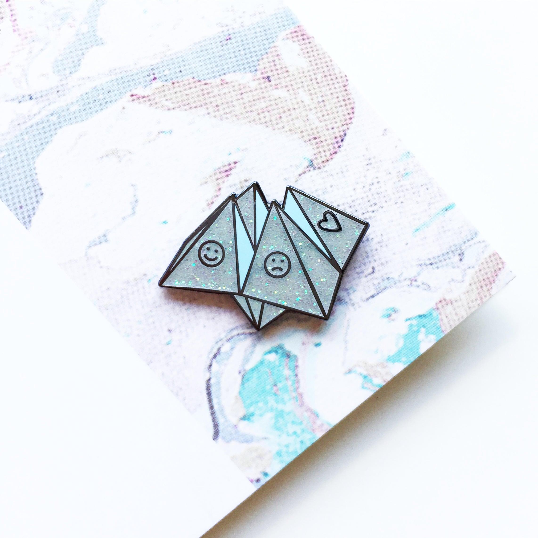 Origami fortune teller enamel pin lapel pin badge white description origami fortune teller jeuxipadfo Gallery