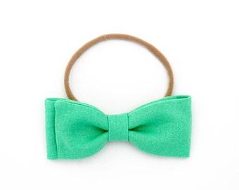 "Hand-folded ""Graham"" bow // fabric bow // Baby, Little girl, Big girl - Jade Linen"
