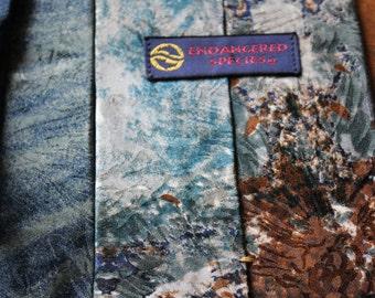 FREE SHIPPING!!!  Vintage 1990s Collectors Endangered Species Necktie