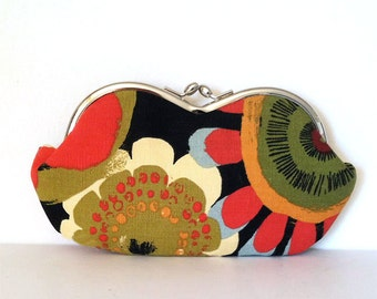 Flower Power, a large sunglass case, sunglasses case, eyeglass case, sunglass holder, coin purse, case for sunglasses, sunglass holder