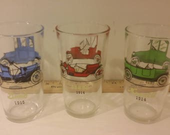 Vintage Hazel Atlas Mid Century Atomic Gay Car Glasses Tumblers. 1960