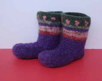 Toddler Booties, Non Skid Socks, Woolen Socks, Slipper Socks, Gift for Toddler Girl, Rosy Lilac Sweet Pea Booties, Girl's size 2.5