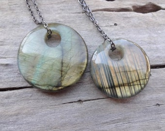 Golden Labradorite Spectrolite round Pendant /Third Eye Chakra necklace Gemstone pendants best seller jewelry for couples simple necklace
