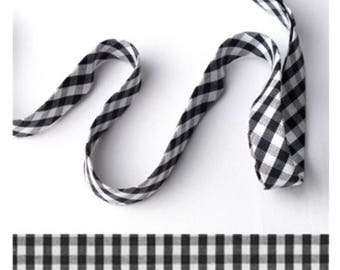 HANDMADE GINGHAM SHOELACES in adult and children's sizes - Black and White Gingham