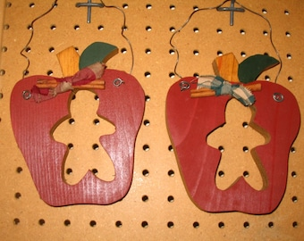 Apple Hanger with Gingerbread Cut Out