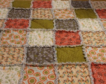 Lazy Summer Fields Rag Quilt