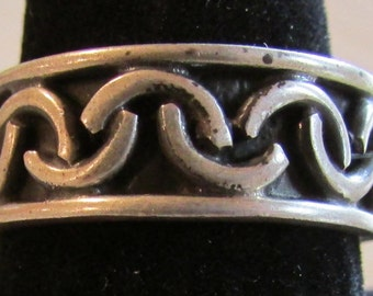 Mexico Sterling Silver Band Ring with Inverted Half Circle Design  Size 10 1/4