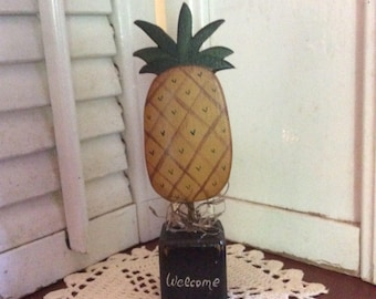 Primitive Pineapple Welcome Shelf Sitter,  Hand Crafted and Painted,Folk Art Decor