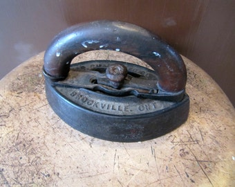Farmhouse Door Stopper, Antique Iron, Cast Iron Paperweight, Office Paperweight, Cottage Decor, Office Decor, Original Paper Weight