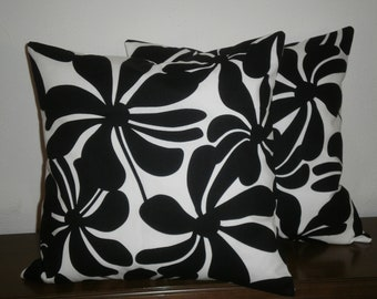 SALE...Free Domestic Shipping.. Set of Two Decorative Pillow Covers - 18 inch Black and White Twirly